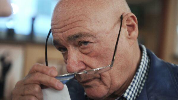 Тележурналист Владимир Познер в своем ресторане Жеральдин на Остоженке.