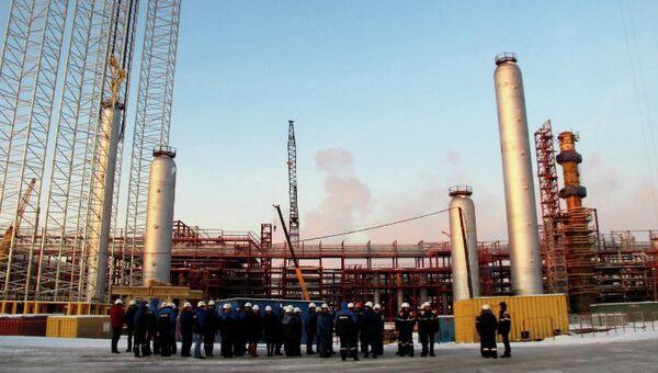 Реакторы новой установки гидрокрекинга Ачинского НПЗ. Архивное фото