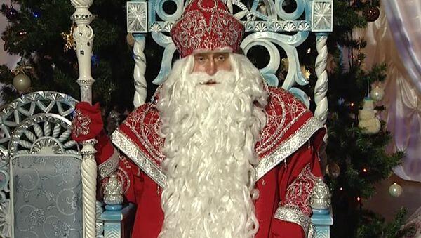 Главные Деды Морозы страны: кто скрывается за гримом и костюмом
