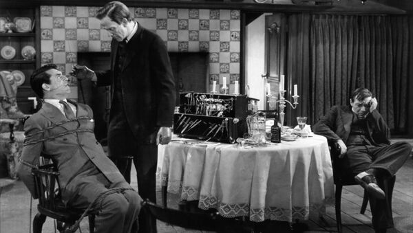 Кэри Грант в фильме Мышьяк и старые кружева, 1944 год