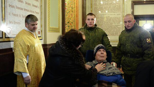 Генерал Анатолий Романов в храме Христа Спасителя в Москве