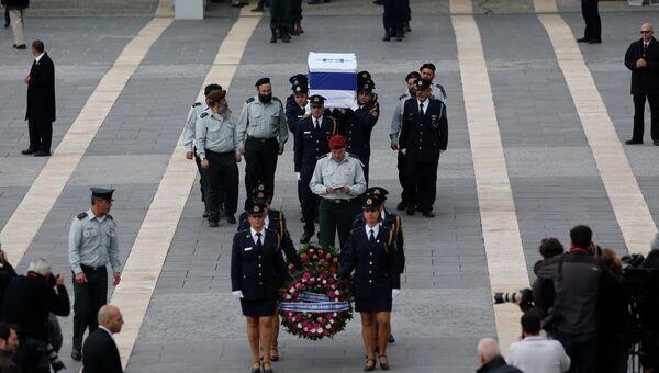 Гроб с телом Ариэля Шарона привезли в Иерусалим. Фото с места событий