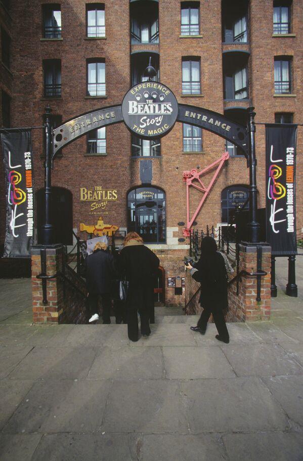 Вход в музей The Beatles Story в Ливерпуле