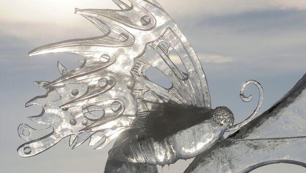 Снежно-ледовая скульптура. Архивное фото