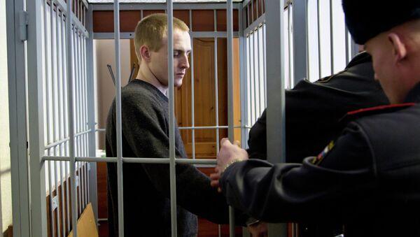 Обвиняемый в убийстве псковского священника Сергей Пчелинцев в зале суда
