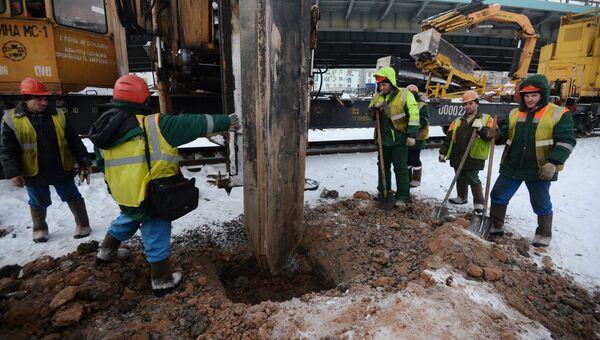 Строительная свая пробила тоннель на зеленой ветке столичного метро. Архивное фото