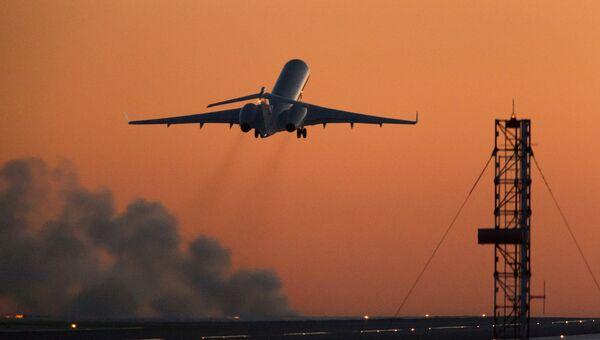 Самолет бизнес-авиации взлетает из международного аэропорта Внуково. Архивное фото