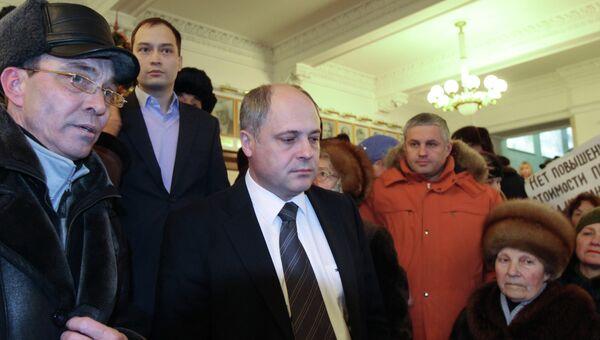 Андрей Ксензов (в центре), архивное фото
