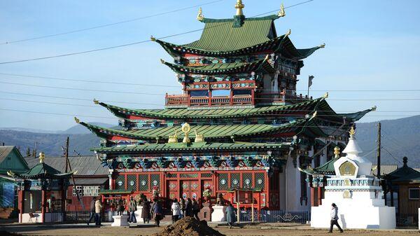 Буддийский монастырский комплекс Иволгинский дацан в Бурятии. Архивное фото