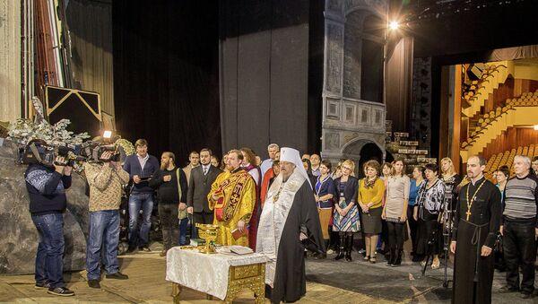 Красноярский митрополит освятил колокола для оперы Борис Годунов, событийное фото