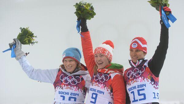 Тура Бергер (Норвегия), Дарья Домрачева (Белоруссия) и Тея Грегорин (Словения)