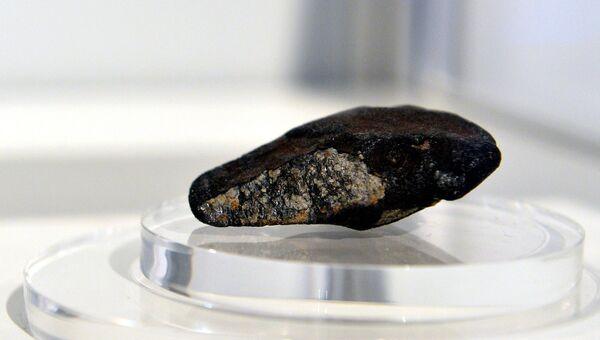 Осколок метеорита. Архивное фото