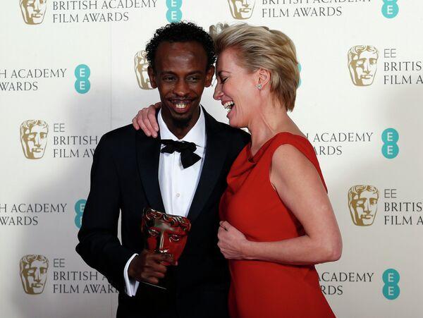 Бархад Абди и Эмма Томпсон на церемонии вручения премии BAFTA