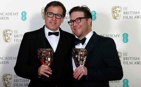 Сценаристы Дэвид О. Рассел и Эрик Уоррен Сингер на церемонии вручения премии BAFTA