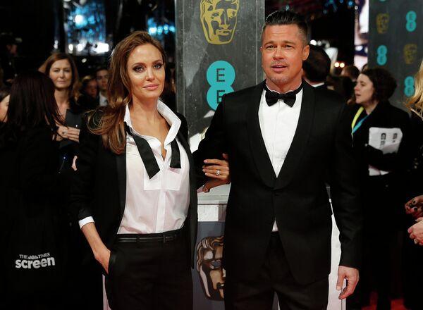 Анджелина Джоли и Брэд Питт на церемонии вручения премии BAFTA