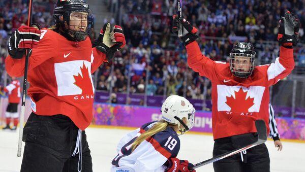 Женская сборная Канады по хоккею. Архивное фото