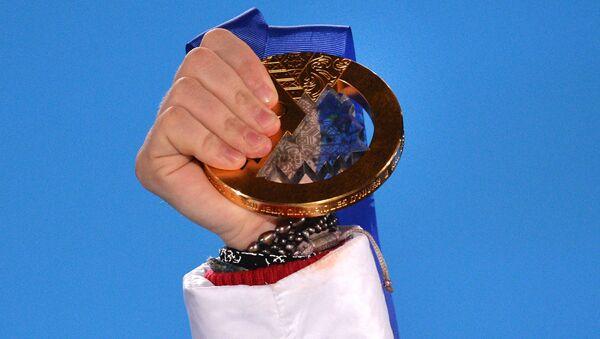 Золотая медаль Аделины Сотниковой