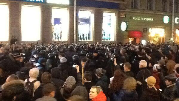 Около десяти человек задержаны в центре Петербурга на несанкционированной  акции. Архивное фото