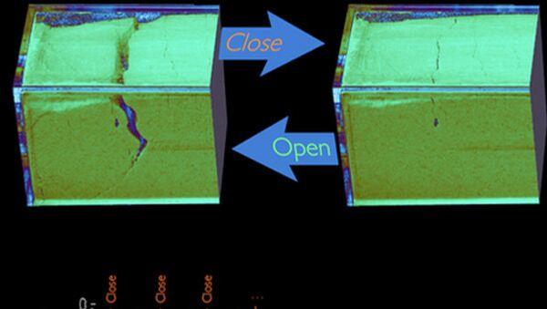 Электрические разряды, которые наблюдались при растрескивании муки в контейнере