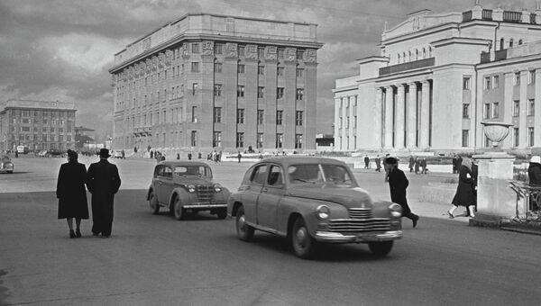На Красном проспекте Новосибирска, 1954 год.