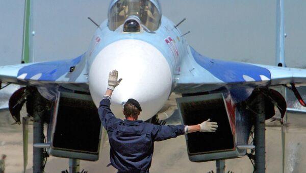 Российский самолет Су-27 на белорусском военном аэродроме Мачулищи. Архивное фото