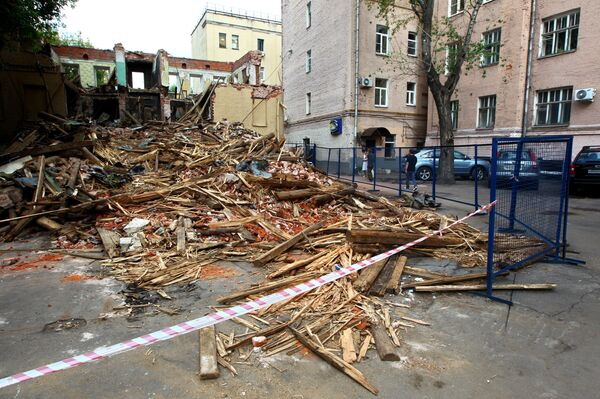 Снос дома номер 25 в Большом Козихинском переулке в центре Москвы, снос, разрушение