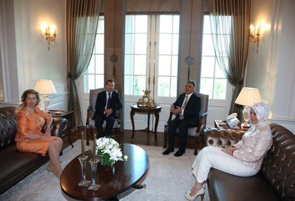 Президент РФ Д.Медведев с супругой встретился с президентом Турции А.Гюлем с супругой