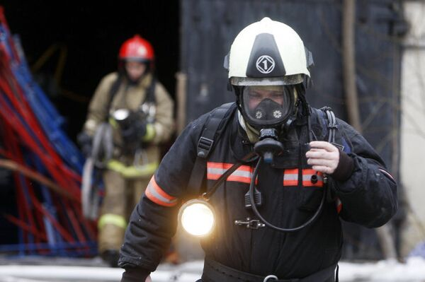 Пожар в административно-производственном здании в Приморском районе