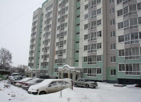 Первые жильцы поврежденного в Томске дома заселяются в новые квартиры