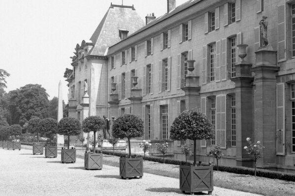 Мальмезонский дворец во Франции