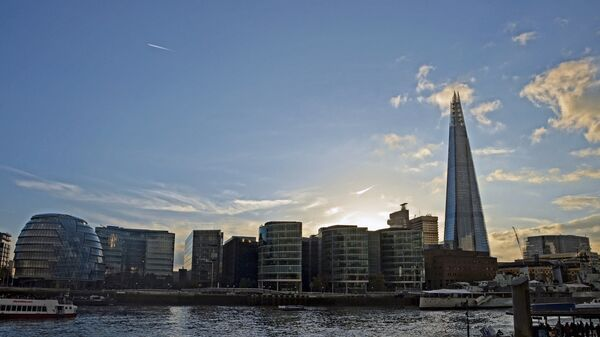 Сити Холл и башня The Shard в Лондоне
