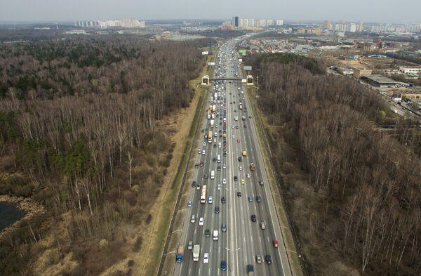 Вид на Московскую кольцевую автомобильную дорогу (МКАД)