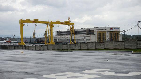 Вице-премьер России Дмитрий Рогозин посетил судостроительный комплекс Звезда во Владивостоке
