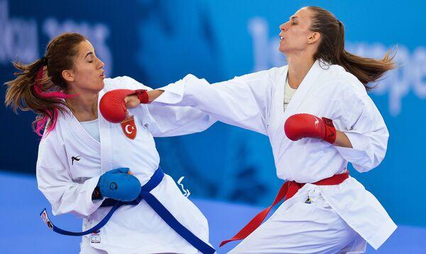 Соревнования по карате среди женщин в весовой категории свыше 86кг на I Европейских играх в Баку