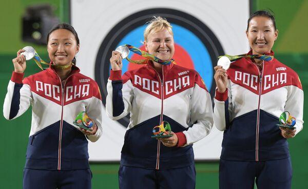 Туяна Дашидоржиева, Ксения Перова, Инна Степанова (слева направо)