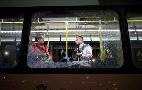 Автобус с журналистами, следовавший по маршруту между олимпийскими объектами, был обстрелян на шоссе в Рио-де-Жанейро