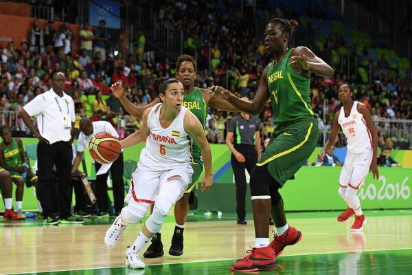 Игровой момент матча Испания - Сенегал