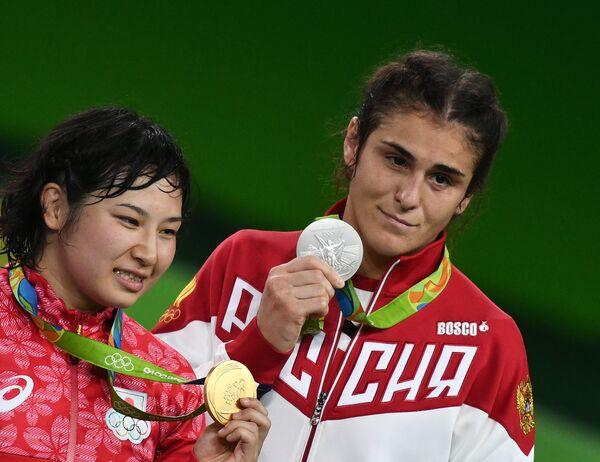 Наталья Воробьева (справа) и Сара Досё
