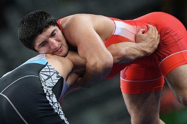 Абдулрашид Садулаев (Россия) (справа) и Селим Ясар (Турция)