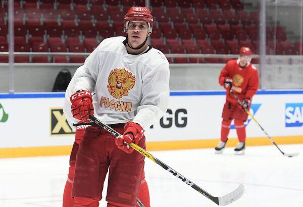 Нападающий сборной России по хоккею Евгений Малкин
