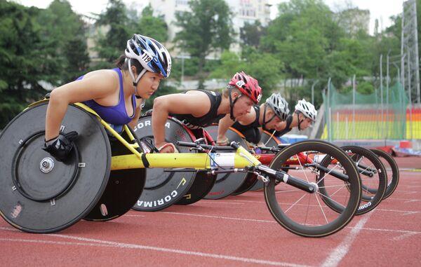 Спортсмены-паралимпийцы Акжана Абдикаримова, Алексей Быченок, Сергей Шилов и Иван Гончаров (слева направо)
