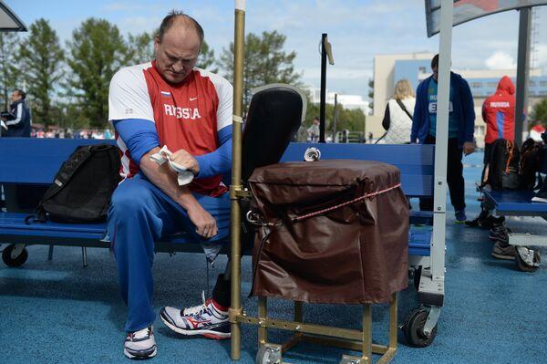 Чемпион Паралимпийских игр по легкой атлетике среди спортсменов с ограниченными возможностями здоровья Алексей Ашапатов