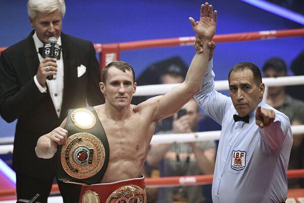 Эдуард Трояновский (Россия) (слева)