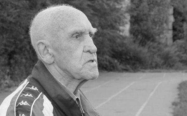 Заслуженный хоккейный тренер РСФСР Петр Дубровин