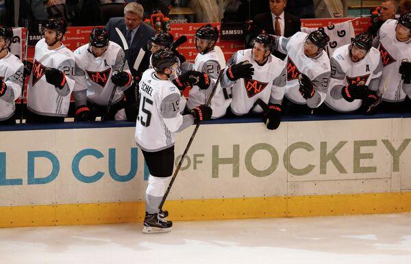 Хоккеисты сборной Северной Америки