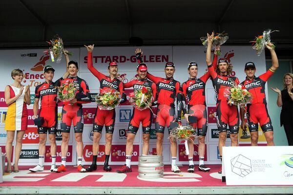 BMC Racing после победы на этапе многодневки Энеко Тур