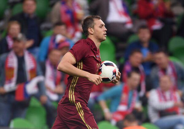 Нападающий Зенита и сборной России Артём Дзюба