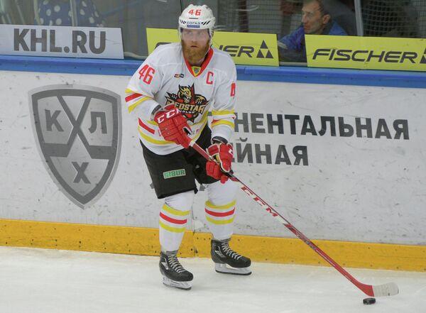 Защитник Куньлуня Янне Яласваара