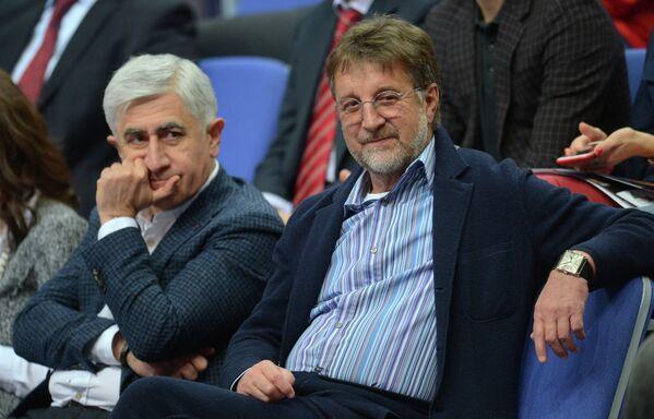 Актёр Леонид Ярмольник (справа)