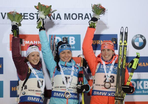 Анаис Шевалье, Татьяна Акимова, Сьюзан Данкли (слева направо)
